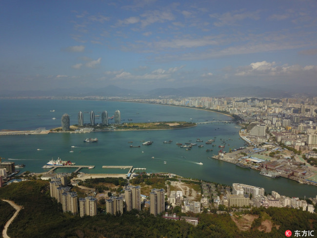 Chinese President Xi Jinping announced Friday a decision to build the whole island of Hainan into a pilot free trade zone.[Photo: IC]