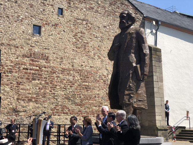 The Karl Marx statue unveiled in Trier, Germany on Saturday, May 5, 2018. [Photo: China Plus/Ruan Jiawen]