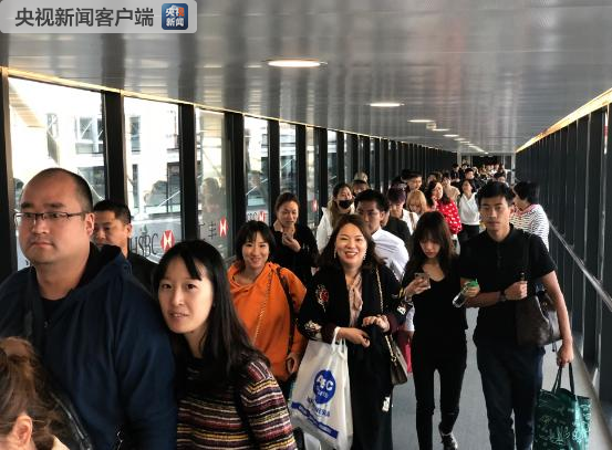 The first group of 278 Chinese tourists stranded by Super Typhoon Yutu in Saipan safely landed in Shanghai Sunday afternoon, Oct. 28, 2018.[File Photo: CCTV]