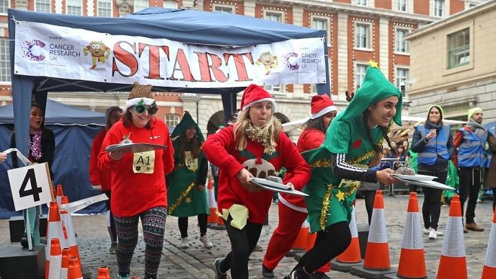 Great Christmas Pudding Race 2018 in London