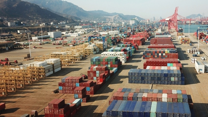 China to cut or scrape tariffs on some imports and exports in 2019