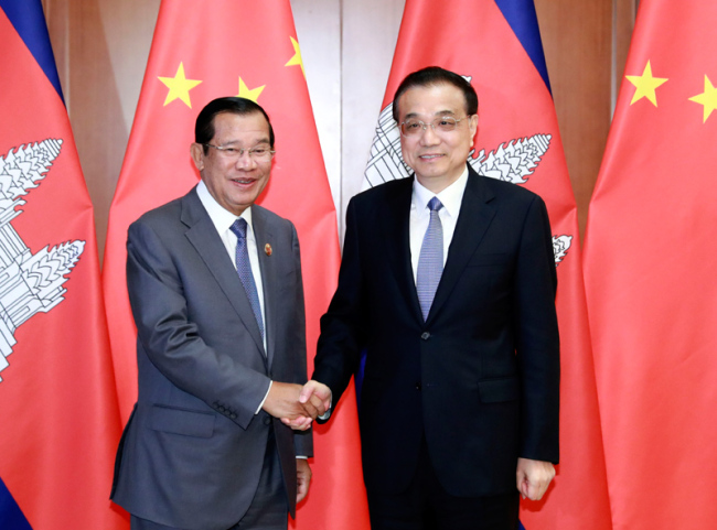 Chinese Premier Li Keqiang meets with Cambodian Prime Minister Samdech Techo Hun Sen in Beijing on April 28, 2019. [Photo: gov.cn]