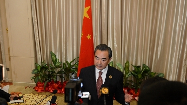 Chinese FM holds phone talk with French president's diplomatic counselor