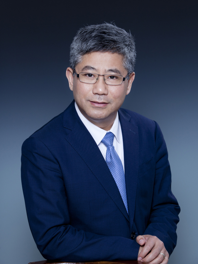 Professor Bai Chong-En, Dean of School of Economics and Management, Tsinghua University. [Photo: provided by the interviewee.]