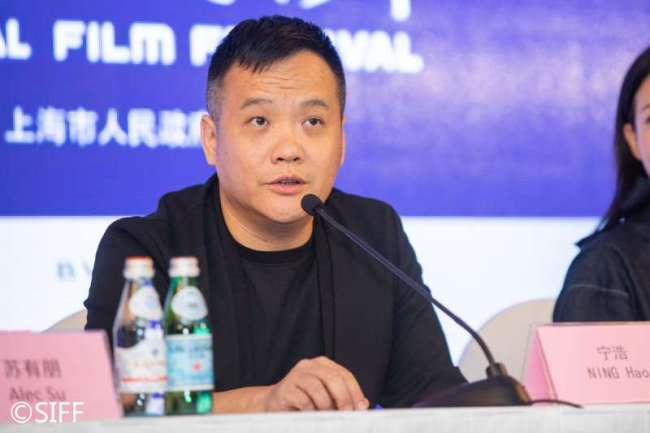 Ning Hao, Jury President for this year's Asian New Talent Award, speaks to the media at the Shanghai International Film Festival, June 17, 2019. [Photo: siff.com]