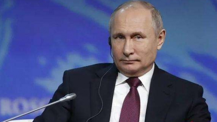 Putin says Russia open to dialogue with U.S.