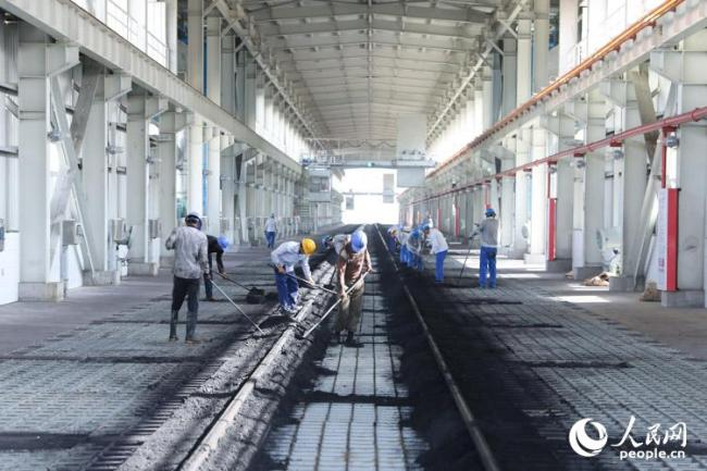Transfer lines in the Sahiwal Coal-fired Power Plant [Photo: from People's Daily]