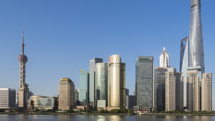 China attracts foreign investors with its strong magnetism