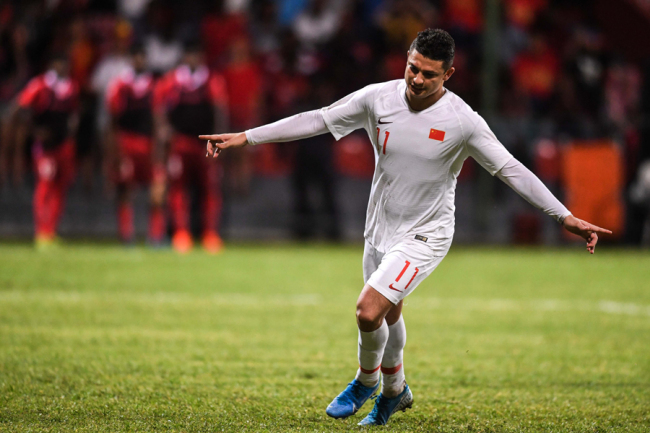 Elkeson celebrates after scoring a goal for Team China in the World Cup qualifier against Maldives in Male, Maldives on Sep 10, 2019. [Photo: IC]