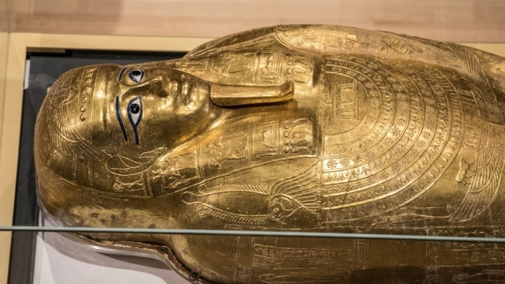 Egypt displays 2,100-year-old looted coffin returned from New York