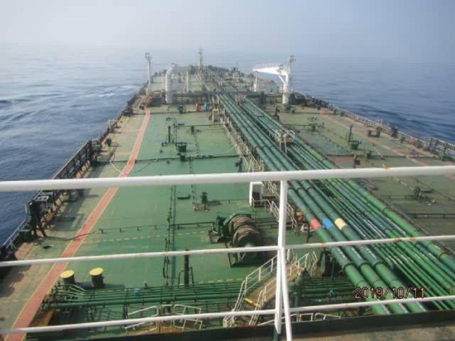 A handout picture made available by Iranian state TV official website (IRIB) reportedly shows Iranian oil tanker Sabiti in Red sea near the Jaddah port in Saudi Arabia, October 11, 2019. [Photo: EPA/IC]
