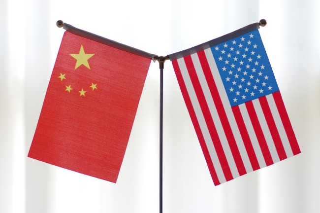 National flags of China and the United States. [File Photo: IC]